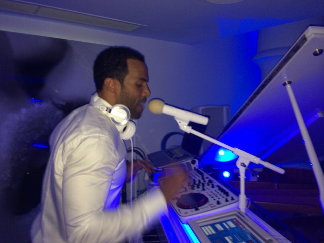 RT @ColinLester: @TS5 was rocking with @CraigDavid on Friday night! http://t.co/cS8aN8pdmY
