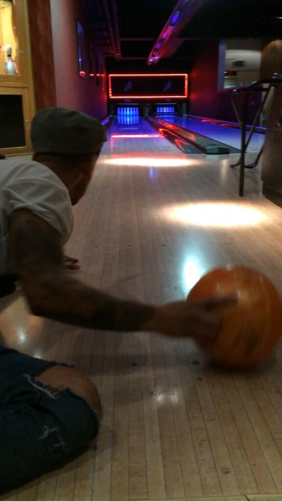 This is how @AstonMerrygold bowls... #TrickBowling