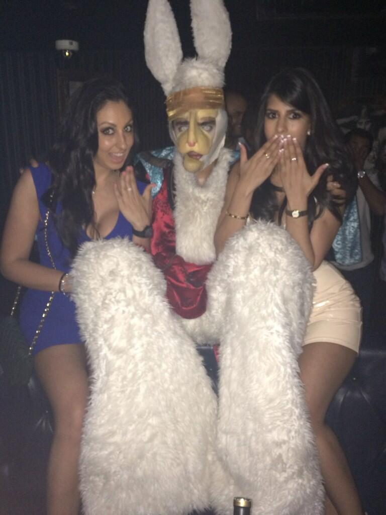 Unreal night!! @ZoeTiegra #theact club omg I love Dubai so much, minus this scary monster 😄 x http://t.co/m9WzY9b6qG