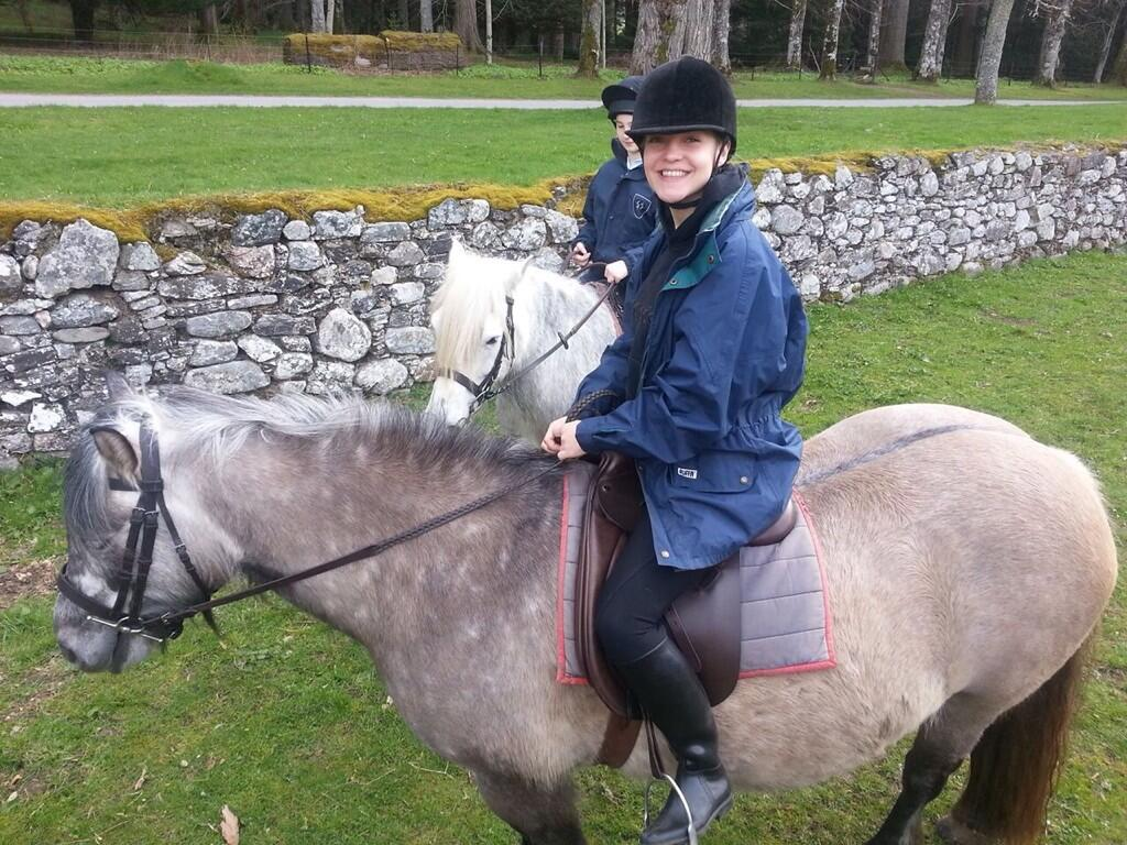 "RT @MaggieH_UK: Catching up on #TheValleys  According to @LateyshaValleys ,horse riding ""tightens your fanny"" ... noted! http://t.co/gMCNou…"