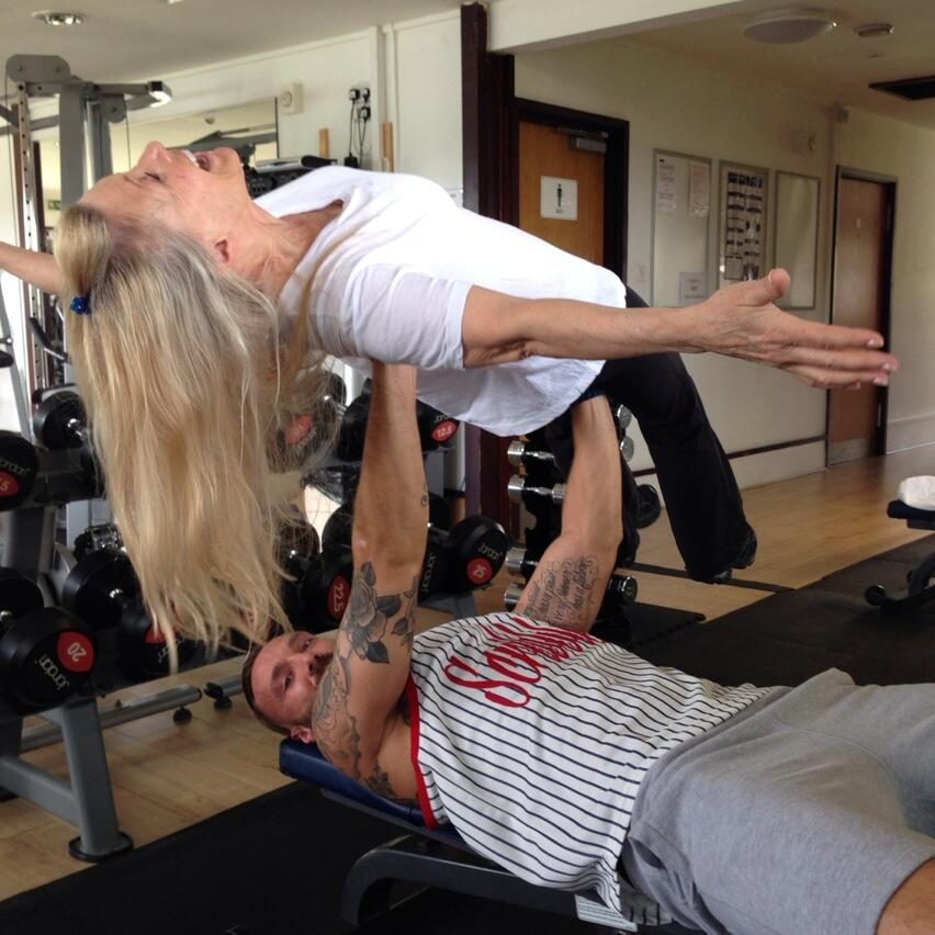 Quick bench press of my amazing mother before I go! Love this woman! @meta_gym http://t.co/rWqZafCoSH