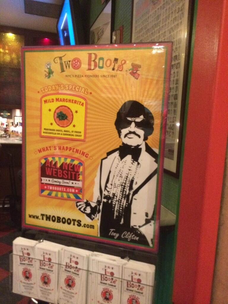 Tony Clifton pizza! http://t.co/9Lgts7b0Ms