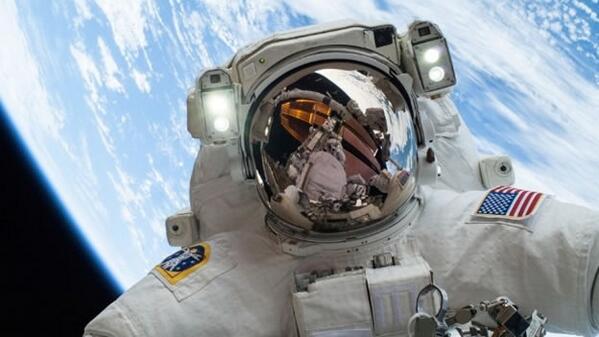 Giornata della Terra NASA: Foto #GlobalSelfie via Instagram Twitter Facebook Google+ e Flickr