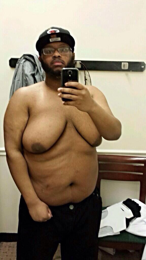 F0 9f A7 A8 On Twitter Rt If He Got Bigger Titties Than You Http T Co Vqq4wqfv5f