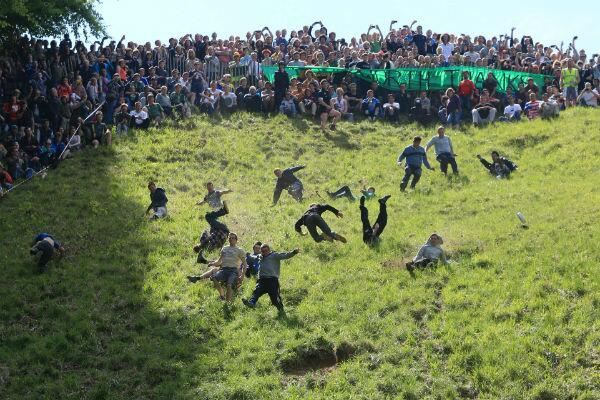 Cheese Rolling is back on for the May Bank Holiday - and it will be REAL cheese http://t.co/xyq6Ks1W7r http://t.co/v6nwv1kNU2