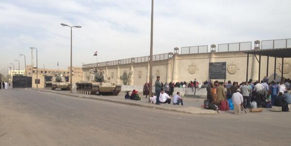 #AJtrial: this is the scene at Tora jail, inside which @PeterGreste et al live & are tried. Just the 2 tanks outside http://t.co/pQeATtslfJ
