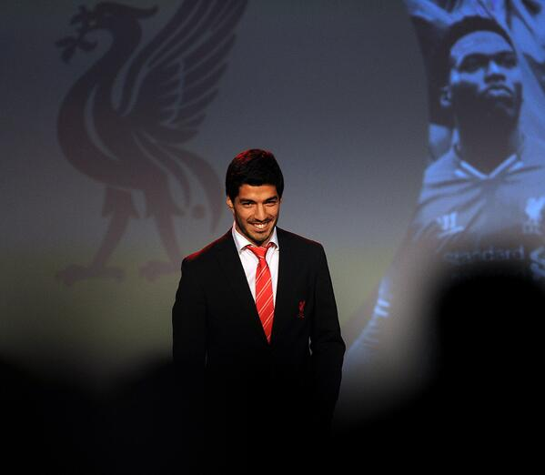 Luis Suarez gave an emotional speech after being voted Liverpool Players Player of the Year [video]
