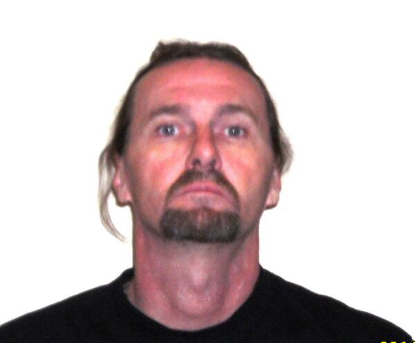 High-risk sex offender Bradley MacCulloch http://t.co/gB4QxekcL6 wanted Canada-wide. Don't approach. Call 911. Pls RT http://t.co/32ZiXDOtBu