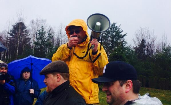 .@nysut Exec. VP, @AndyPallotta soaking up that clean mountain rain at #picketinthepines http://t.co/GSQrIHERSa