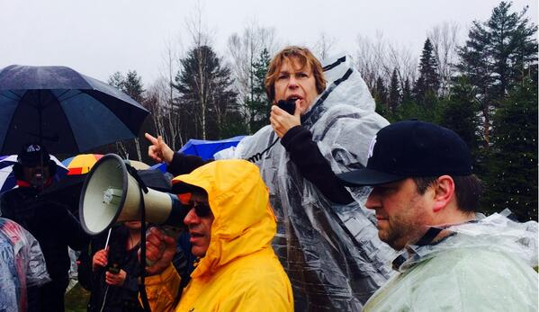 @AFTunion president, @rweingarten speaks at #picketinthepines. http://t.co/5oRBlyQC28