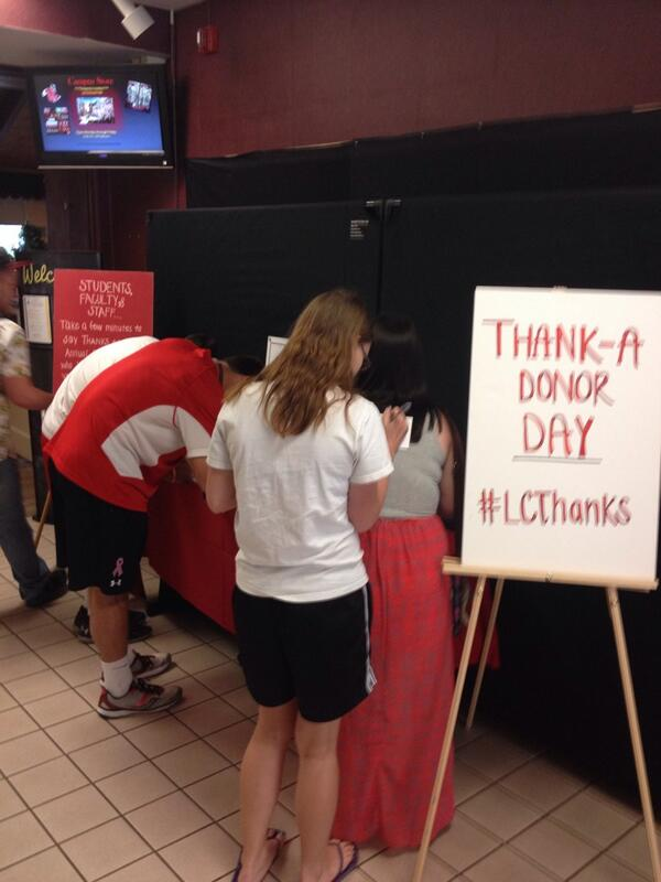 Over 100 students, faculty, and staff have signed personal notes today!  #LCThanks http://t.co/wag6V08aWj