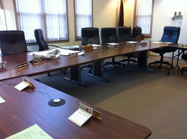 The calm before the ... meeting. Lower #Pottsgrove Commissioners meet in 10 minutes. Jon Spadt's last meeting? http://t.co/ubR46ckf1D