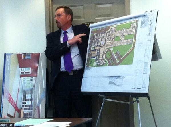 Terry DeRoot, from KCBA Architects reviews #Pottsgrove HS plans for Lower Pottsgrove Commodsioners. @MercuryX http://t.co/SG46yVOzm7