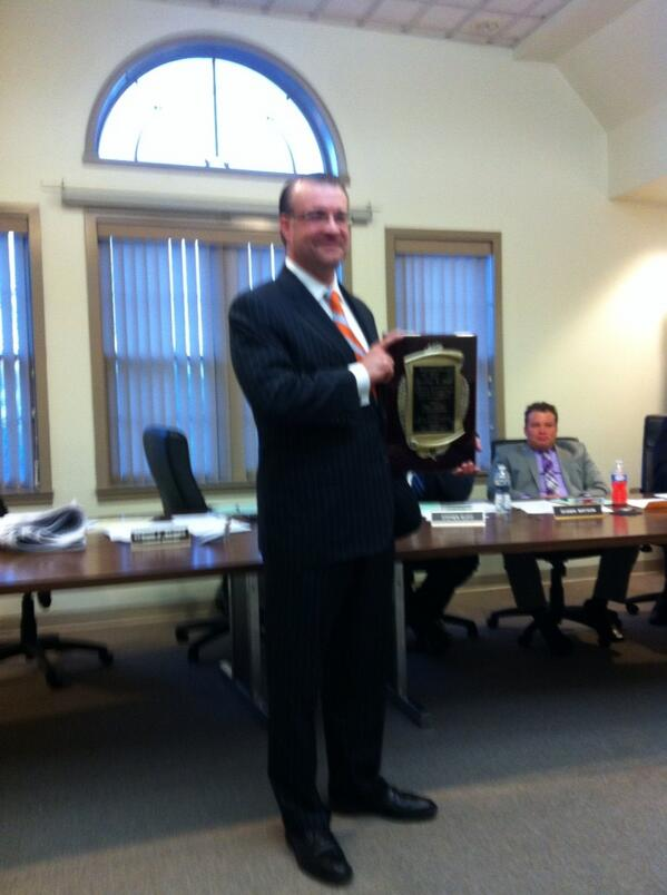 Out going Lower #Pottsgrove Township Commissioner Jonathan Spadt shows off his plaque upon his resignation. @MercuryX http://t.co/06i0DE3Gqz