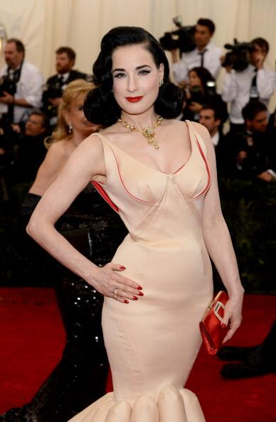 """Who What Wear on Twitter: """".@DitaVonTeese nails old Hollywood glamour in @vancleefarpels at the #Metball2014 #VCAMetGala http://t.co/2RBJ2qpNWe"""""""