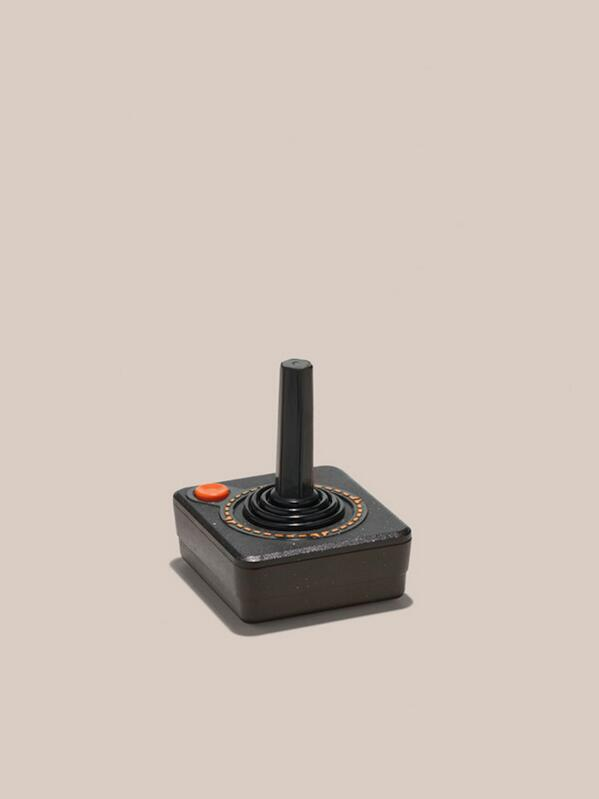 Relics of Technology (via @swissmiss) http://t.co/7p5fBXtXxG http://t.co/wTsN10MzVv
