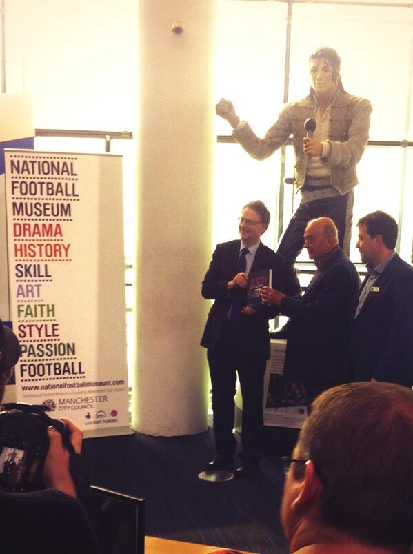 Mohammed Al Fayed claims Shahid Khan begged to get the Michael Jackson statue back at Fulham as its a lucky charm