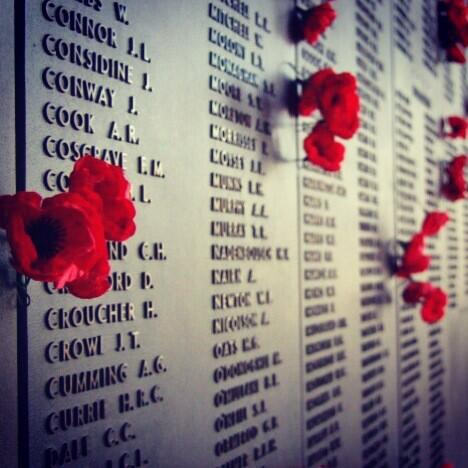 RT @TSWF_: Remembering the contribution and suffering of all of those who have served. #Respect #ANZAC #lestweforget http://t.co/tM0zBiSvCw