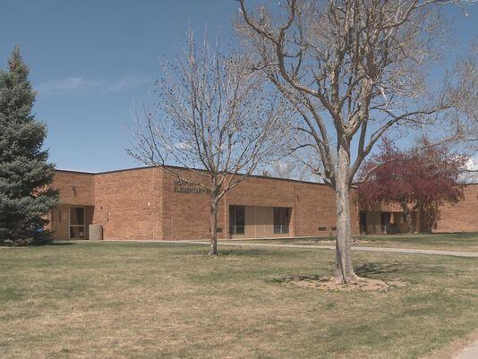 4th graders caught selling pot at elementary school http://t.co/eXIi8s2Jam http://t.co/Ah4Ya3l4IJ