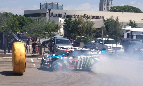 It's gotten a little smoky as @kblock43 does donuts in our parking lot for an @xgamesaustin promo http://t.co/uEIMVZixgn