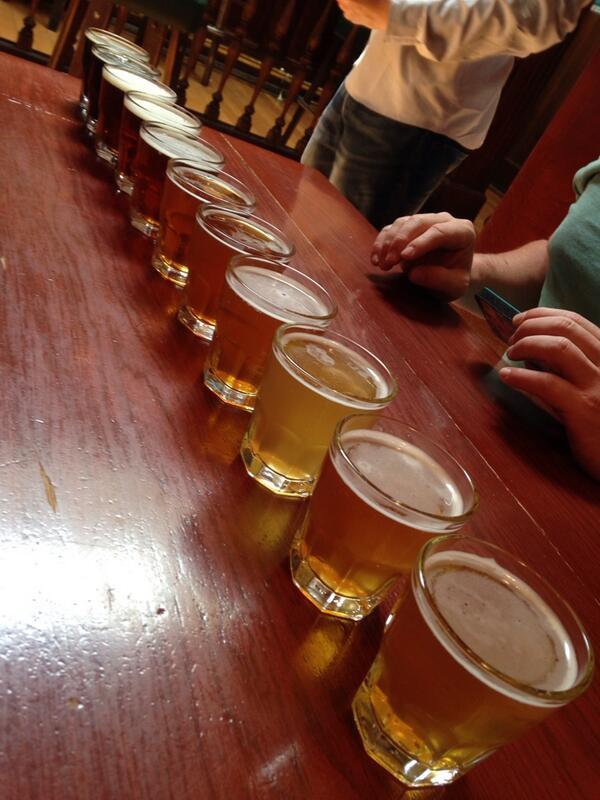 アメリカで最も古いビール屋さんらしい。 (@ Triple Rock Brewery & Alehouse - @triplerockbeer w/ 2 others) http://t.co/JSt4yWd9BD http://t.co/BXOVRc4inX
