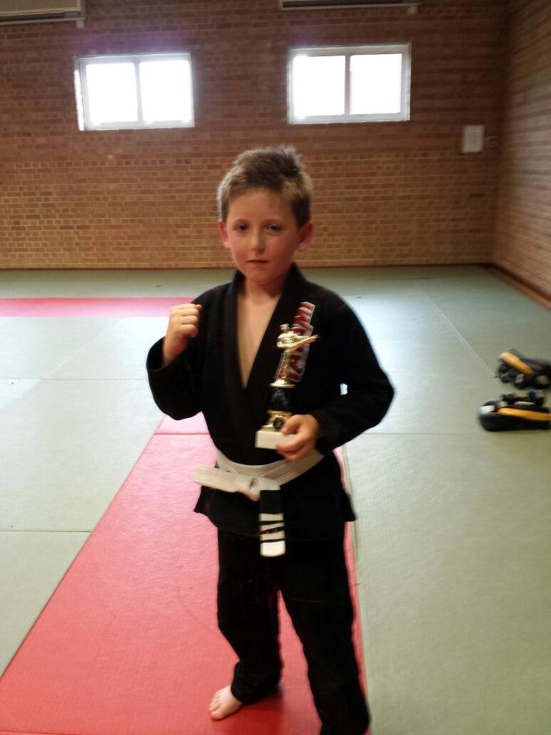 RT @ARMMABJJ: @AlexReid Well done dennis for beening kid of the week by putting in 100%  effort and listening http://t.co/4Hgvws69Lp
