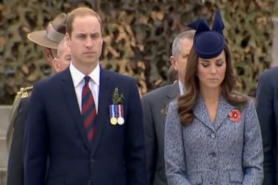 A moment of silence to remember the fallen. Lest we forget. #ANZACDay2014 #RoyalVisitAus http://t.co/P81oMZ1qMs