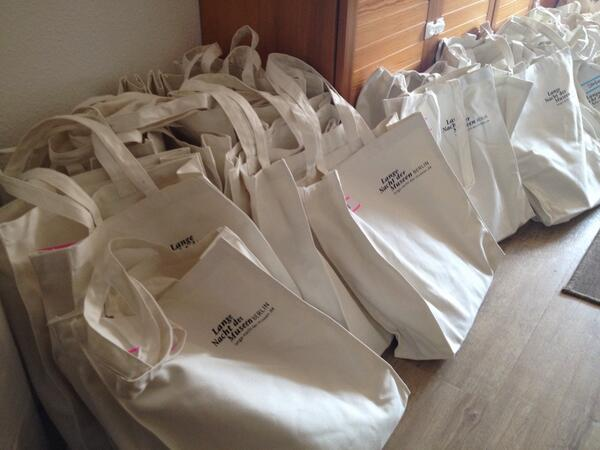 Uff. That's all the #MuseumMarathon goodie bags packed. Big thanks to helping hands - mums are the best!! http://t.co/LvJTikEqzn
