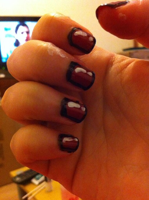Cartoon style nails tonight!!! (And orange is the new black in the background!!) http://t.co/UXaKZhx