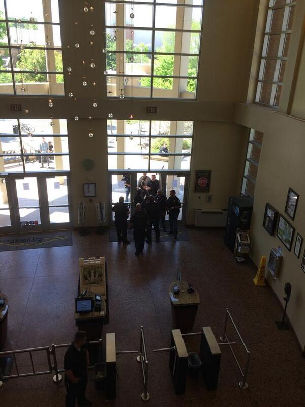 From @wsbtv Facebook user: Upwards of 16-20 officers in the commons at #KSU #wsbtv http://t.co/gcgpLzxp6L