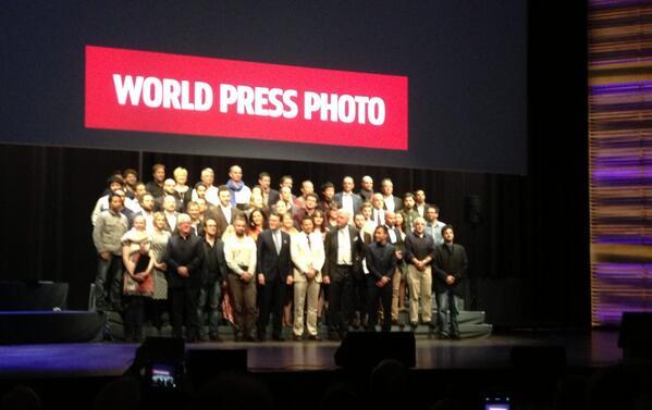 La fotografia dels guanyadors de la 57a edició dels Premis World Press Photo 13 amb 4 autors de Barcelona #WPPh14 http://t.co/FnjOlo58LI