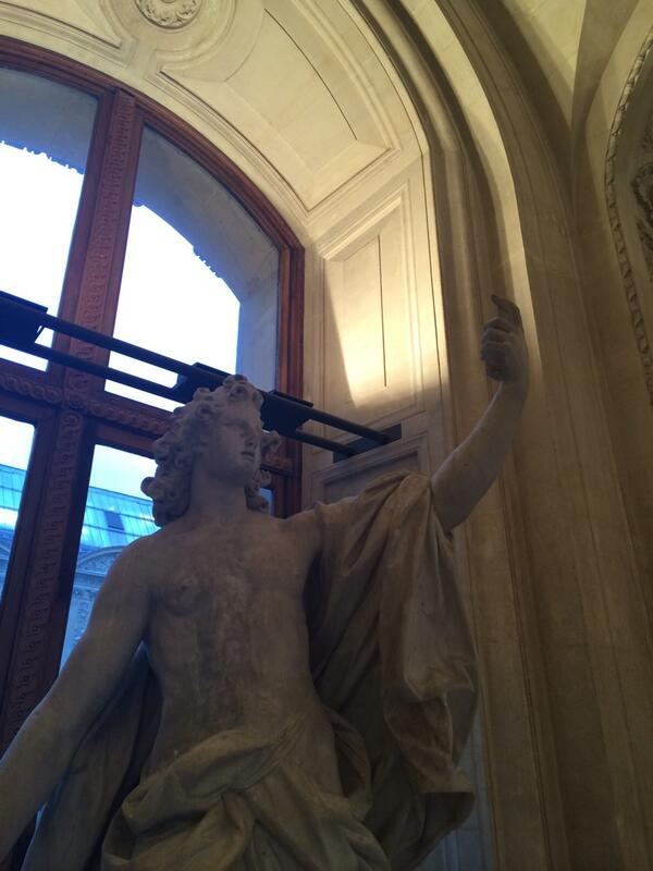 Best part of the Louvre was the statue of an ancient smartphone user taking a selfie http://t.co/nveGrn6RBQ