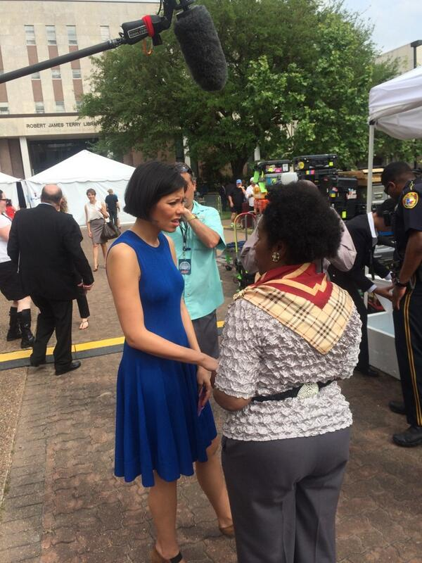 Alex Wagner and Congresswoman Sheila Jackson Lee #GrowingHope http://t.co/A09rghpSfN  at #TSU #TwitterNewsChat via @berryhillmk