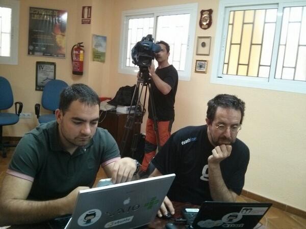 Renato y Jaime, de la @OSLUGR, ultimando sus charlas #AmigosEnGranada #jpd14 http://t.co/zgi7YGmuIW