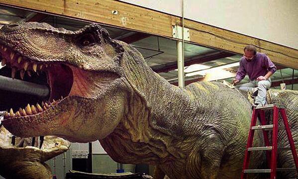 Jurassic World BmIoYY1CUAAXVpe