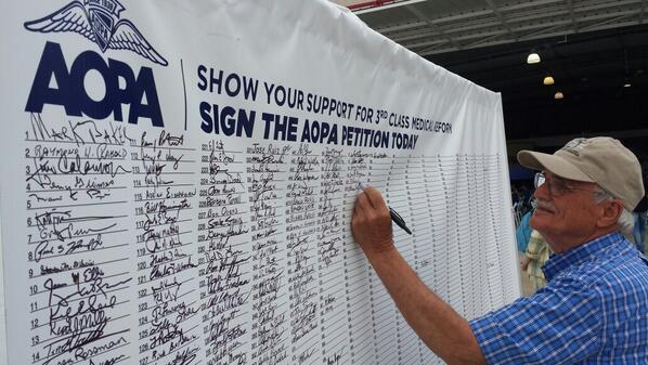 #AOPA members and pilots are signing the 3rd class petition at #AOPAHYI http://t.co/wub0J1mD4G