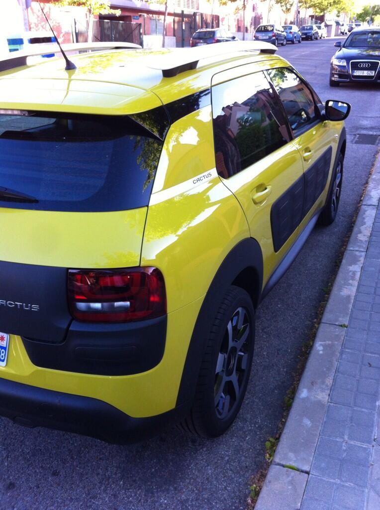 2014 - [Citroën] C4 Cactus [E3] - Page 38 BmN6pybIQAAGU-h