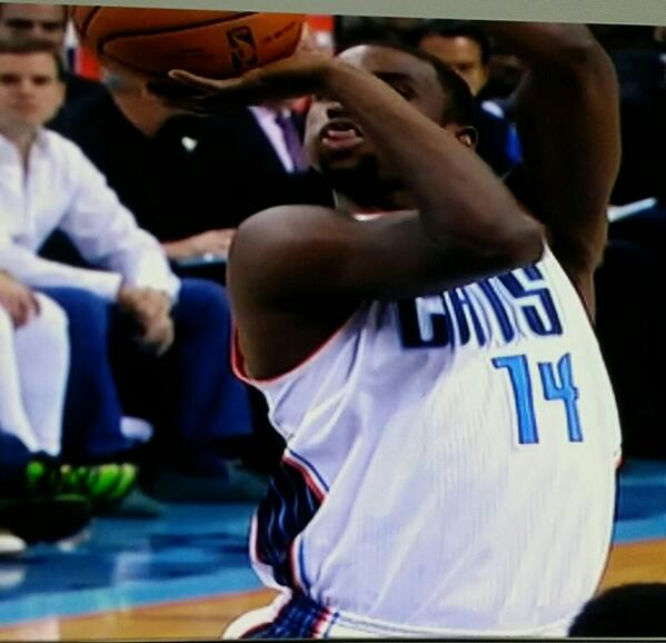 Coolin mindin my own business, the Heat v Cats rerun come on and Kidd Gildchrist pull up to the free throw line like http://t.co/nijY3hFJtw
