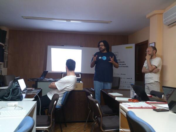Arrancamos las jornadas #periodismodatos #OpenData!! #jpd14 #jpd14a http://t.co/ajezC9DB1Z