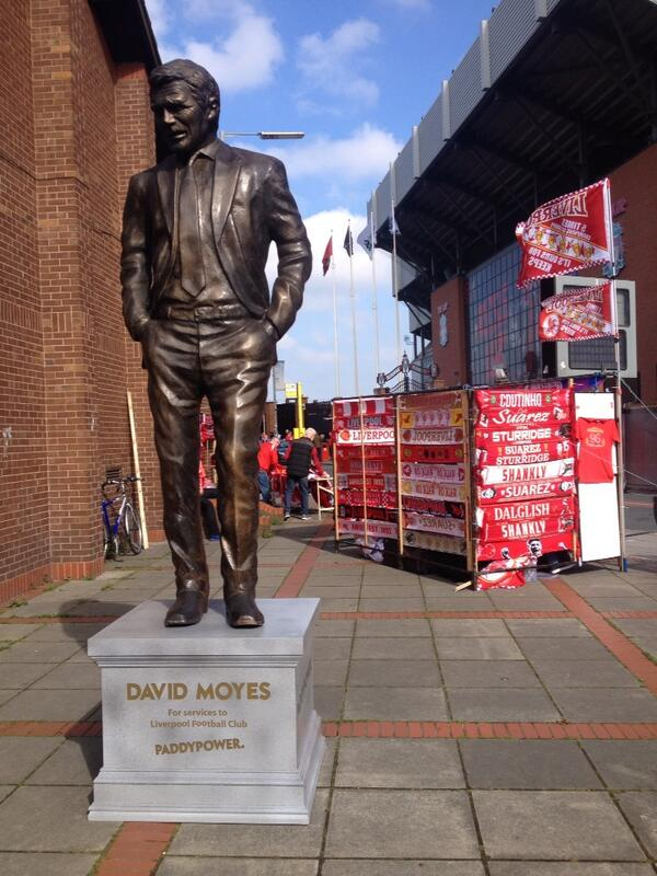The latest stunt from @paddypower - David Moyes statue at Anfield right now #lfc http://t.co/SdePiEWUxH (h/t @PaulMallon1)
