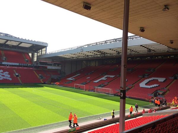 Things are a lot quieter inside Anfield, for now anyway. Pitch pristine, glistening in the sunlight #LFC #bbcfootball http://t.co/W4oujTq2Cb