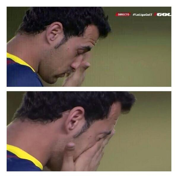 Barcelonas Sergio Busquets cried during minute silence for Tito Vilanova before Villarreal game [Video]