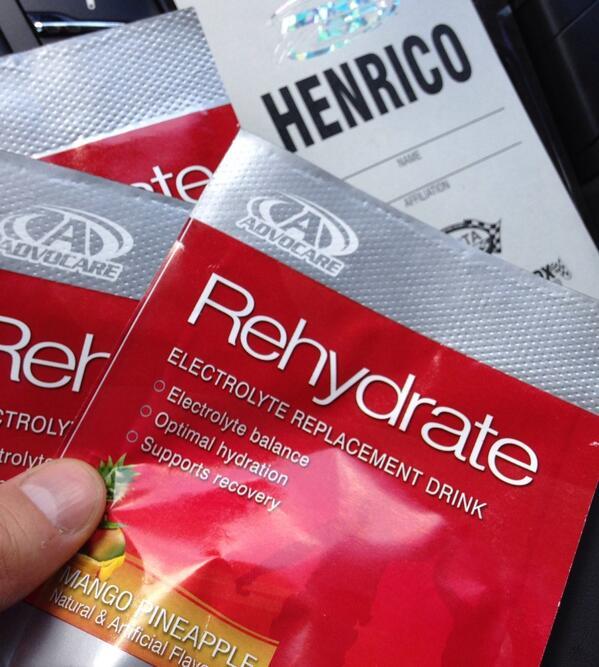 Grabbed some #rehydrate from @austindillon3 last night @RIRInsider - @advocare @AdvoCareSports #nascar http://t.co/NqNxXj092h