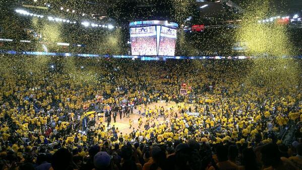 All gold everywhere. #Roaracle http://t.co/8BIRo7Tnmu