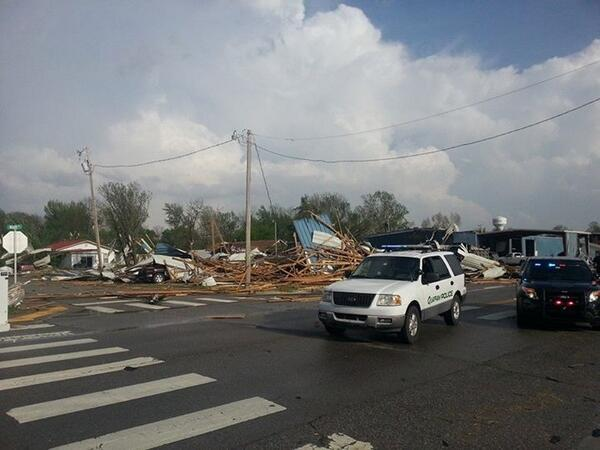 :( ... RT @WCL_Shawn: BREAKING: 2 dead after #tornado hits Quapaw, OK [via AP/pic via @IW_13] #OKwx http://t.co/ULJgEs1nvj