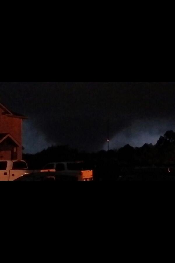 """@ounwcm: So scary. RT @SarahFortnerWx: INCREDIBLE THV 11 viewer picture of tornado near Vilonia #arwx http://t.co/B3LL9a2HXb"""
