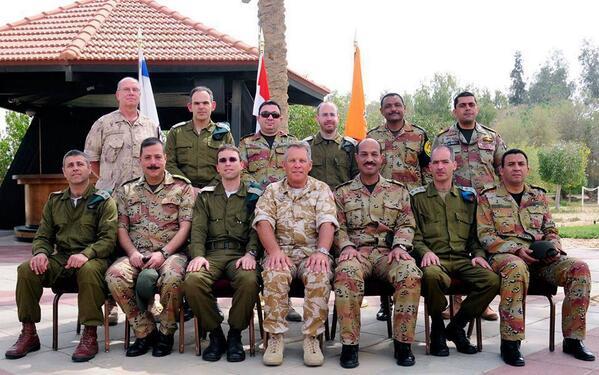 بالصور: اجتماع مشترك يضم قيادات ٦ أبريل الخونة العملاء مع عسكريين إسرائيليين http://t.co/JMmJlMP7Ax