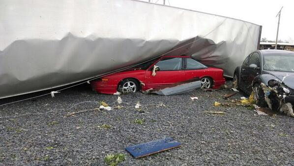 TORNADO DAMAGE: Cars and trucks thrown around like toys in Mayflower, Arkansas - via @CRepp7News http://t.co/iym3fvudWH