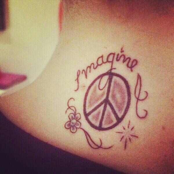 Tini Stoessel y su nuevo tatuaje ☮ BmVVVd6IEAAASn_
