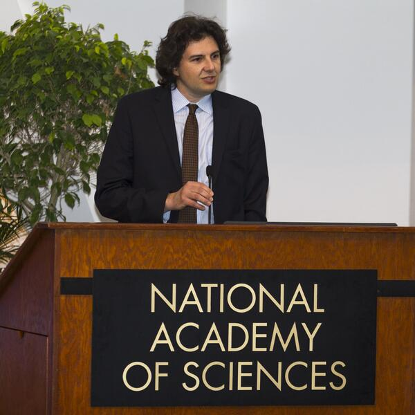 """NatlAcad of Sciences on Twitter: """"David M. Sabatini of @WhiteheadInst  accepting the 2014 NAS Award in Molecular Biology! Congrats Dr. Sabatini!  #NAS151 http://t.co/IhzbUecYxJ"""""""